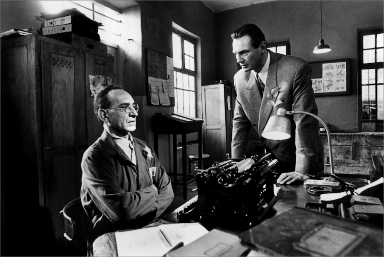 Itzhak Stern (Ben Kingsley) et Oskar Schindler (Liam Neeson)