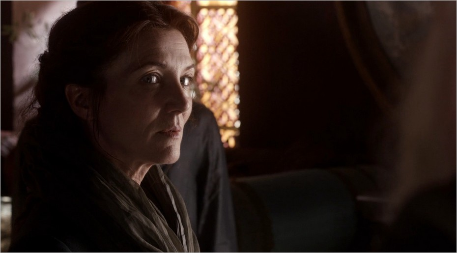 Catelyn Stark accueillie par Petyr Baelish