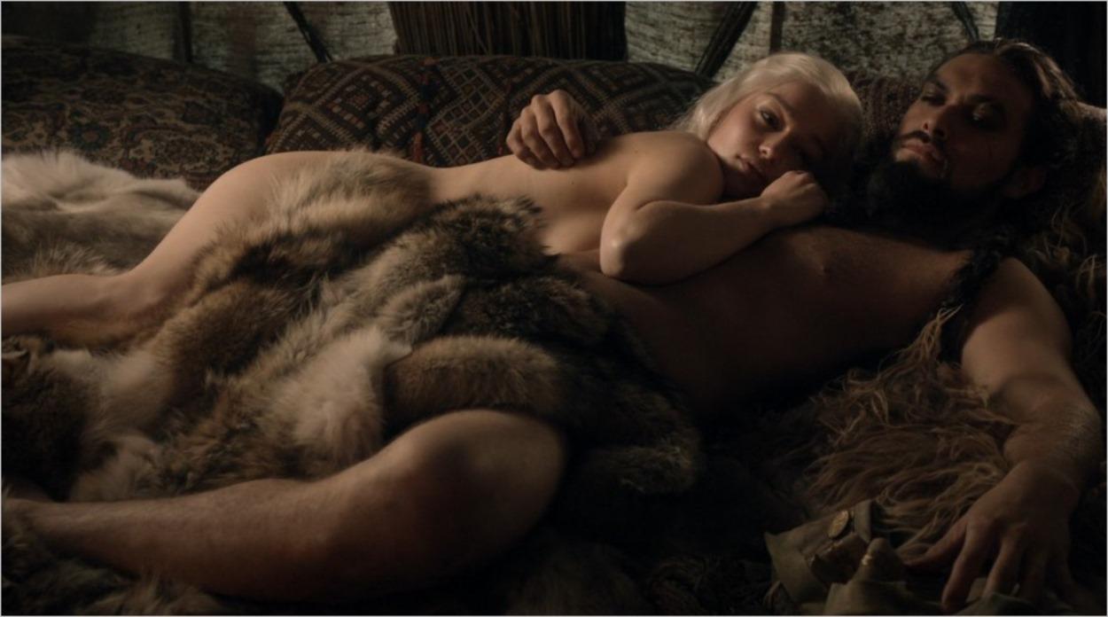 Daenerys au lit avec Khal Drogo