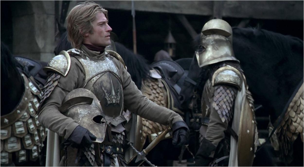 Jaime Lannister se pavane dans la cour de Winterfell