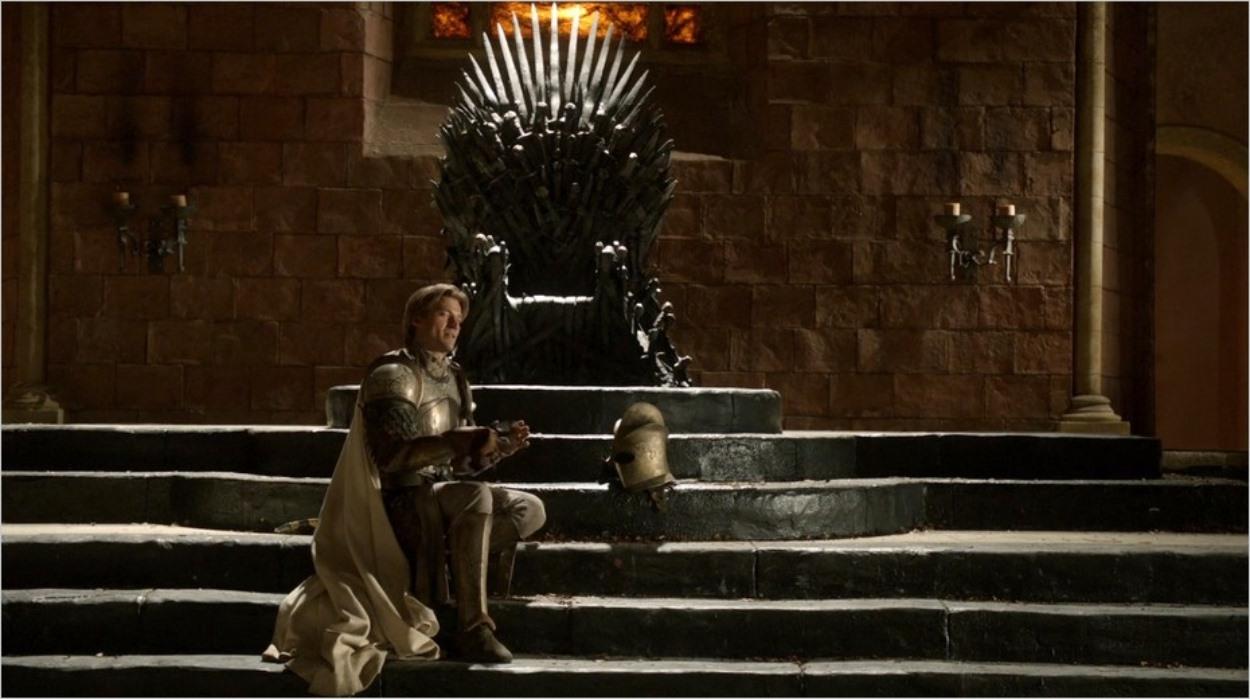 Jaime Lannister devant le Trône de Fer
