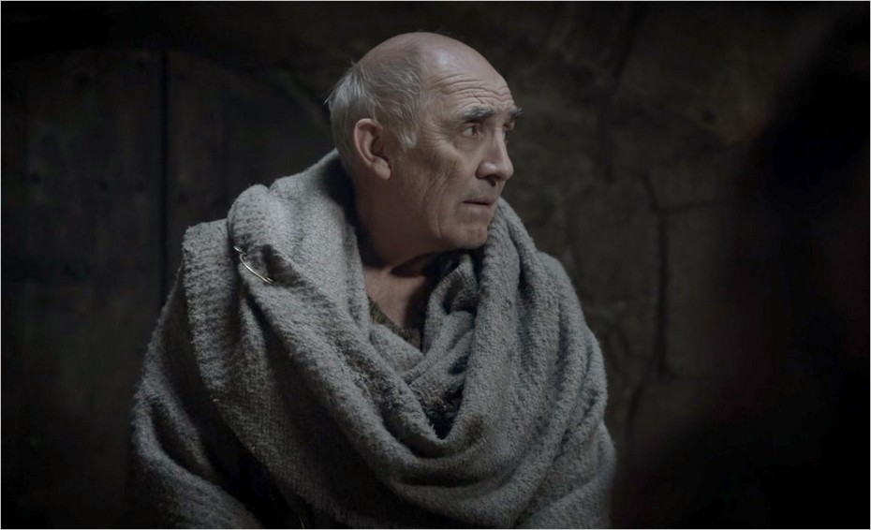 Mestre Luwin à Winterfell - Game Of Thrones saison 1