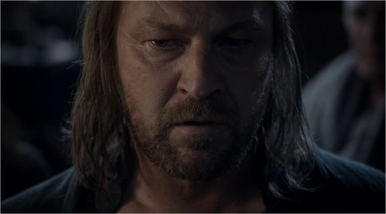 Ned Stark pensif après le message de Lysa Arryn