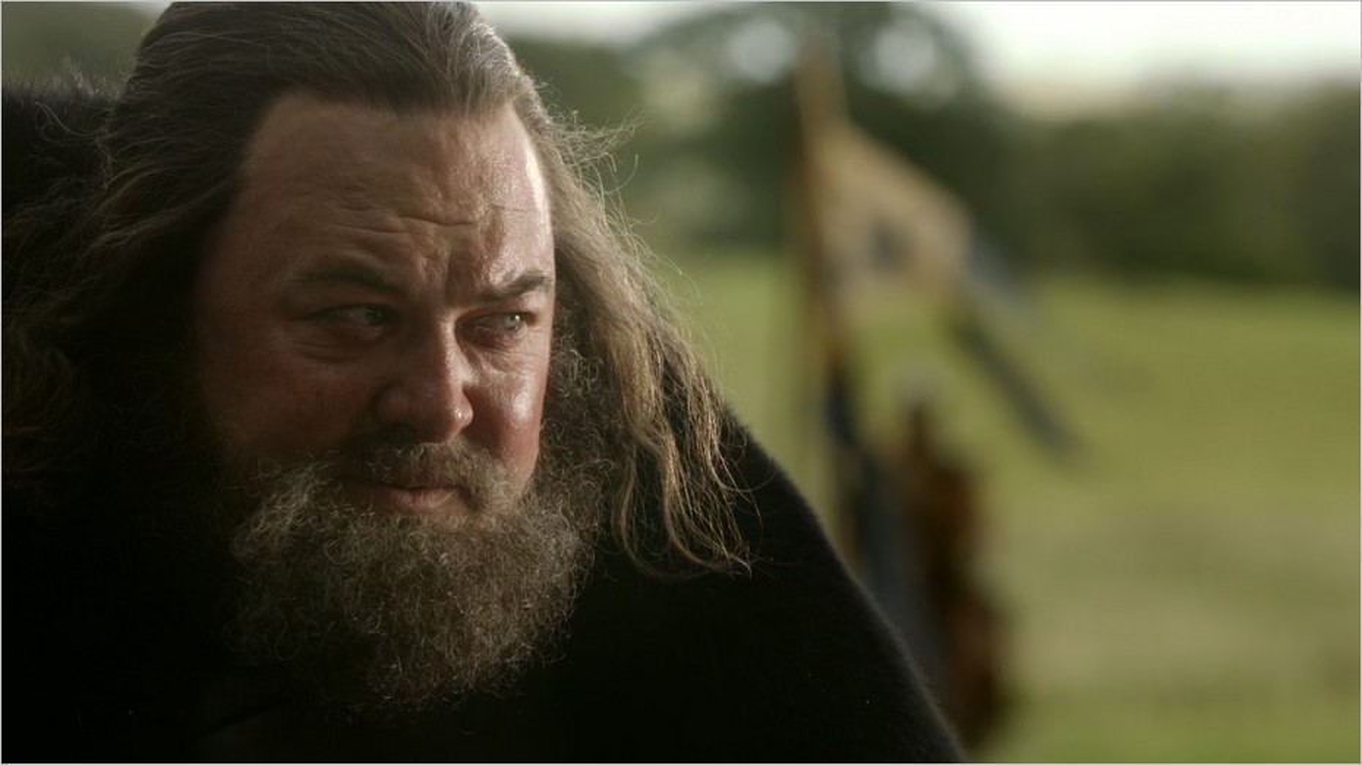 Robert Baratheon discute avec Eddard Stark