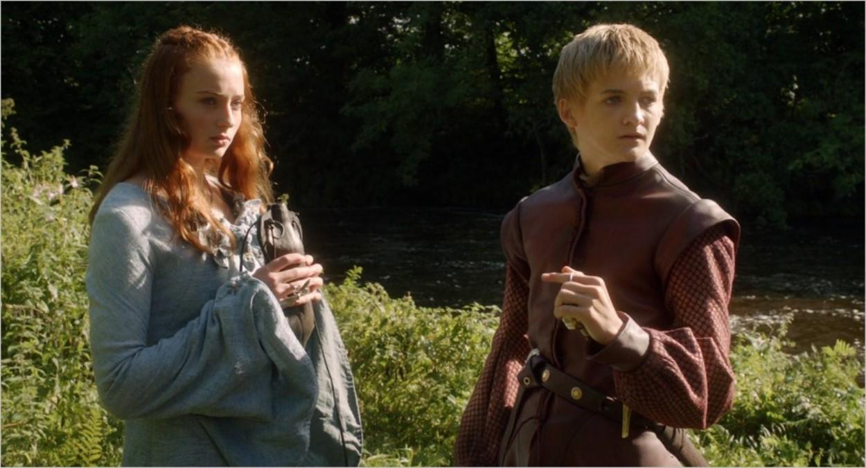 Sansa et Joffrey arrivant près de la rivière