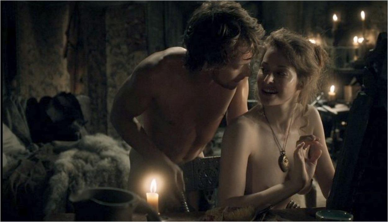 Theon Greyjoy avec Ros - Saison 1 épisode 5