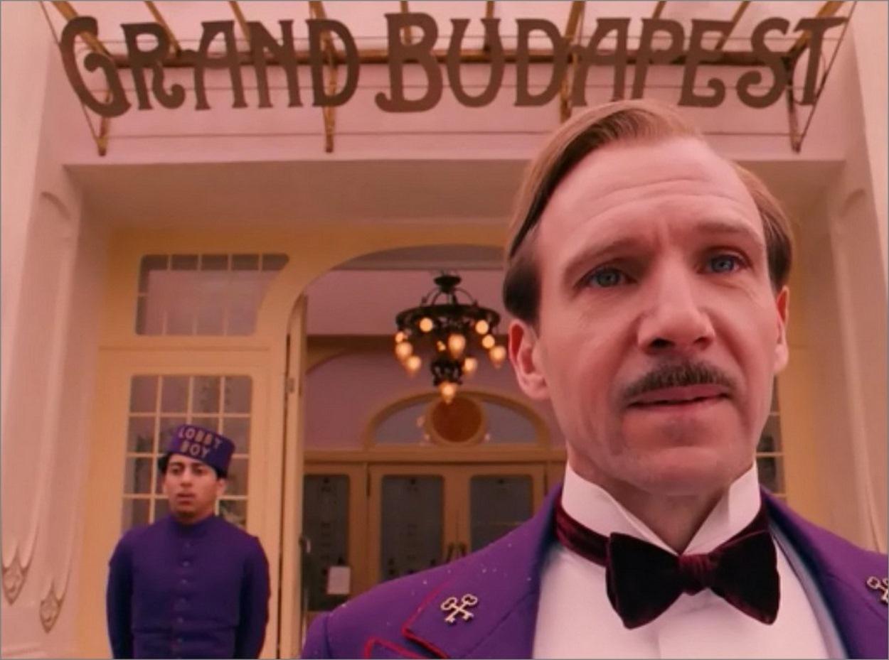Ralph Fiennes dans The Grand Budapest Hotel