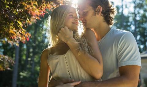 Un amour sans fin, Shana Feste : une relation entre deux mondes