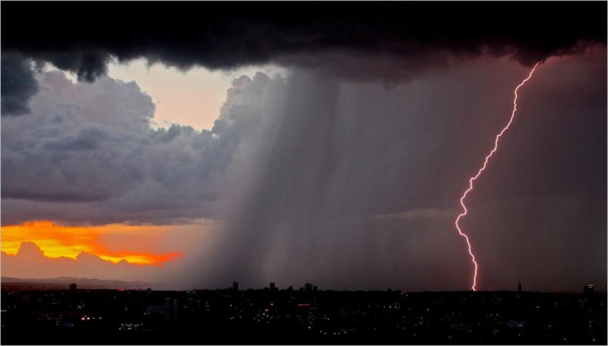 Eclair pendant un orage