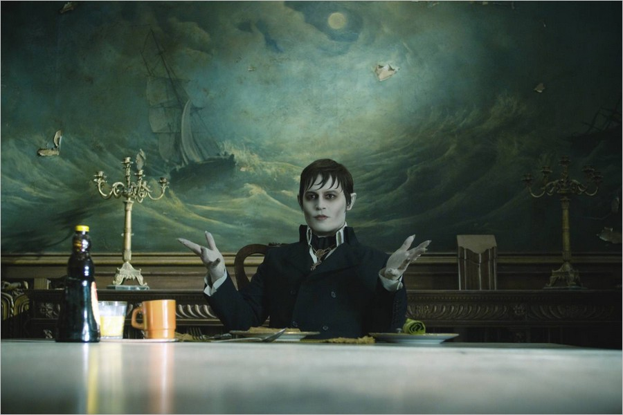 Johnny Depp (Barnabas Collins)