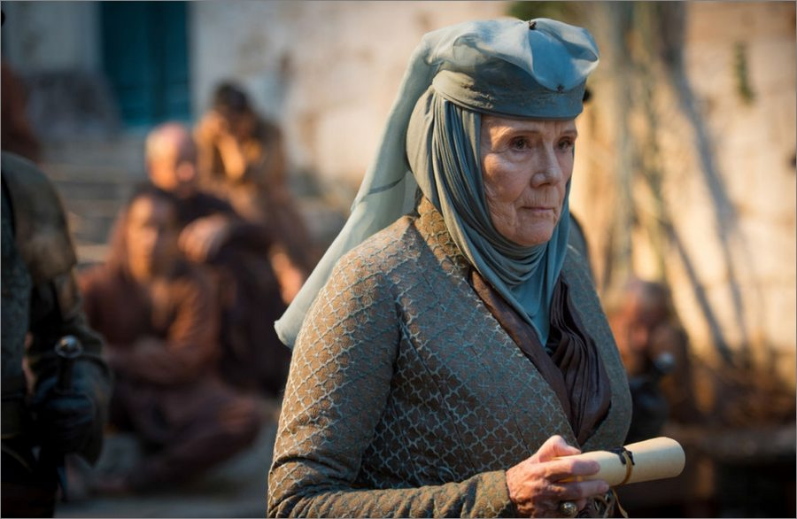 Olenna Tyrell portant le message de Petyr Baelish - Game Of Thrones