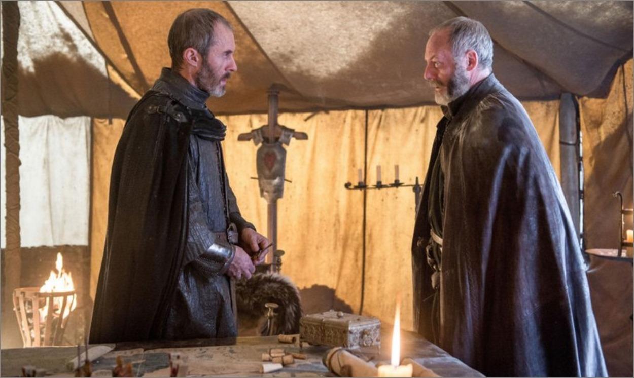 Stannis Baratheon et Davos dans la tente - Game Of Thrones