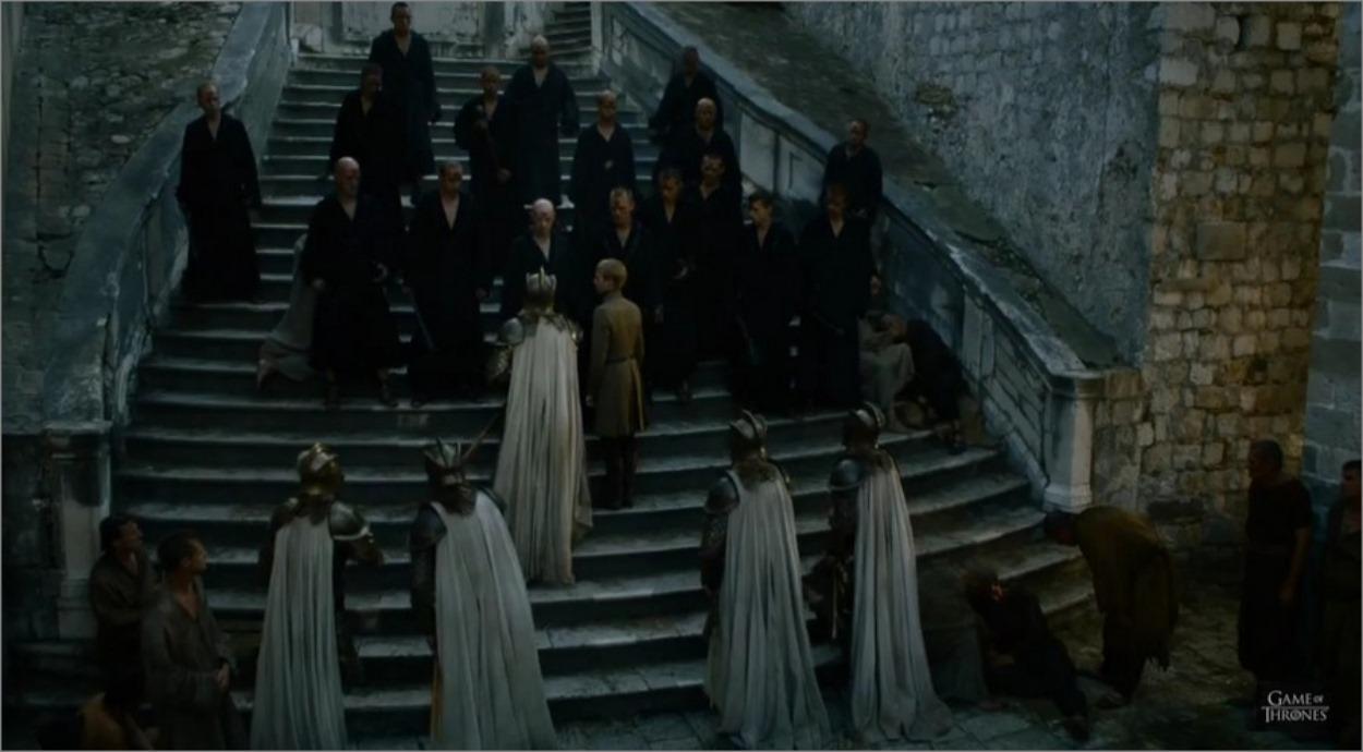 Tommen sur les marches du septuaire de Baelor - Game Of Thrones