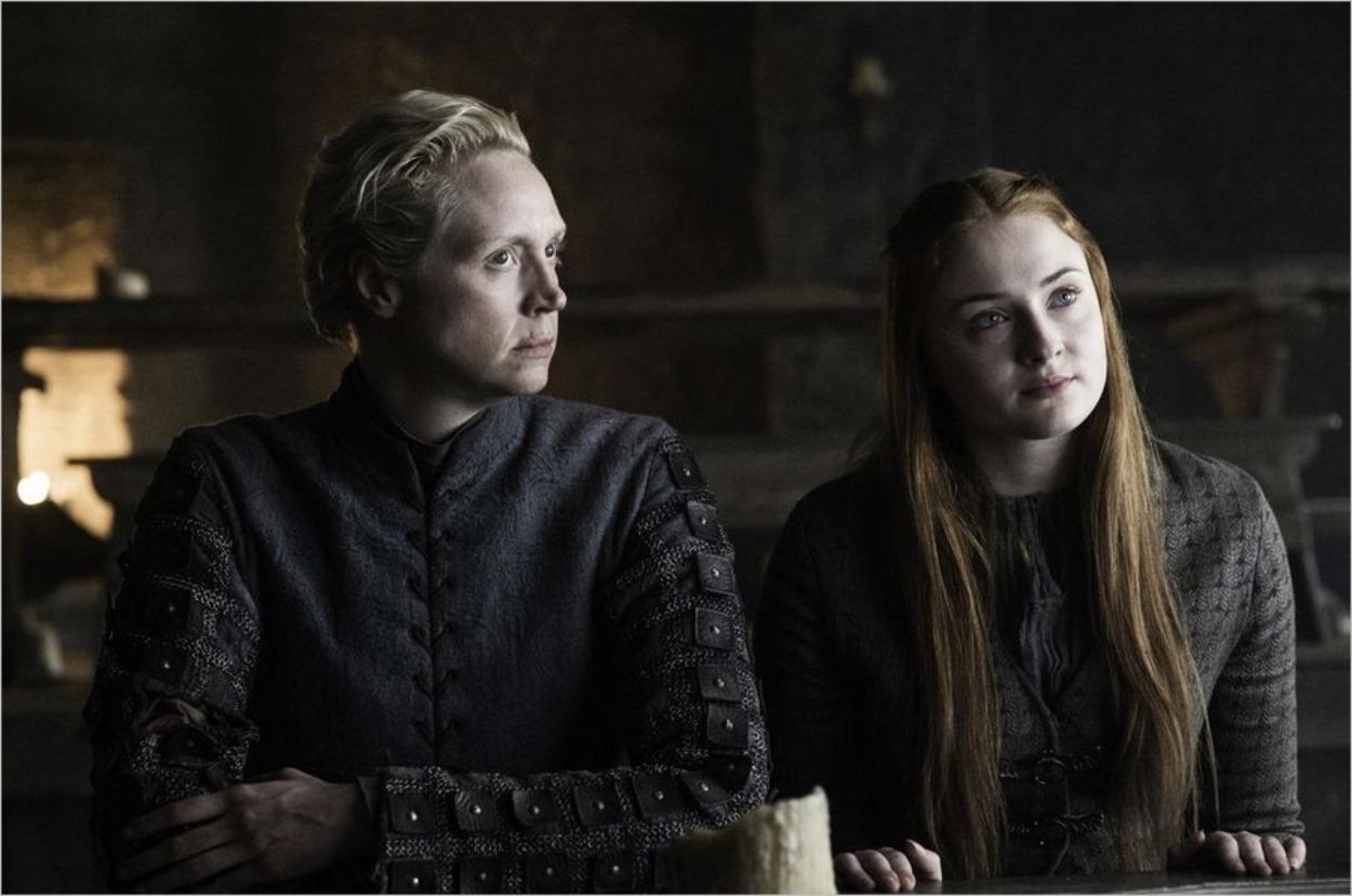 Brienne et Sansa évoquent la stratégie de reconquête du Nord à Châteaunoir