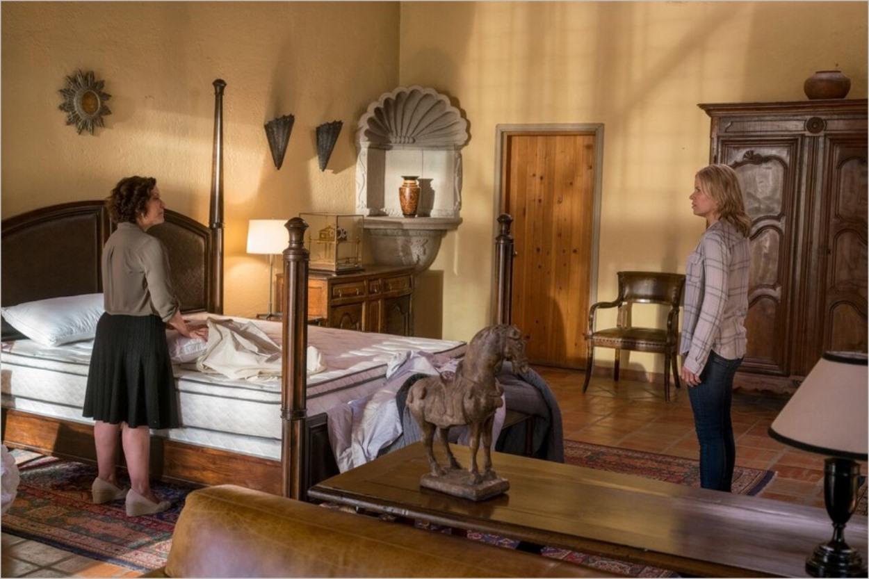 Célia et Madison dans la maison de Thomas Abigail