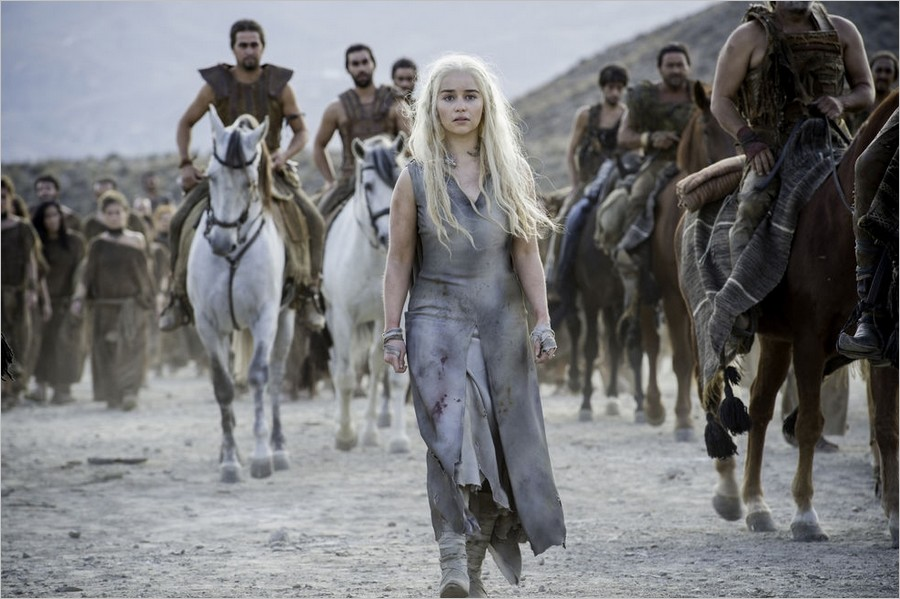 Daenerys marchant vers Vaes Dothrak - Game Of Thrones