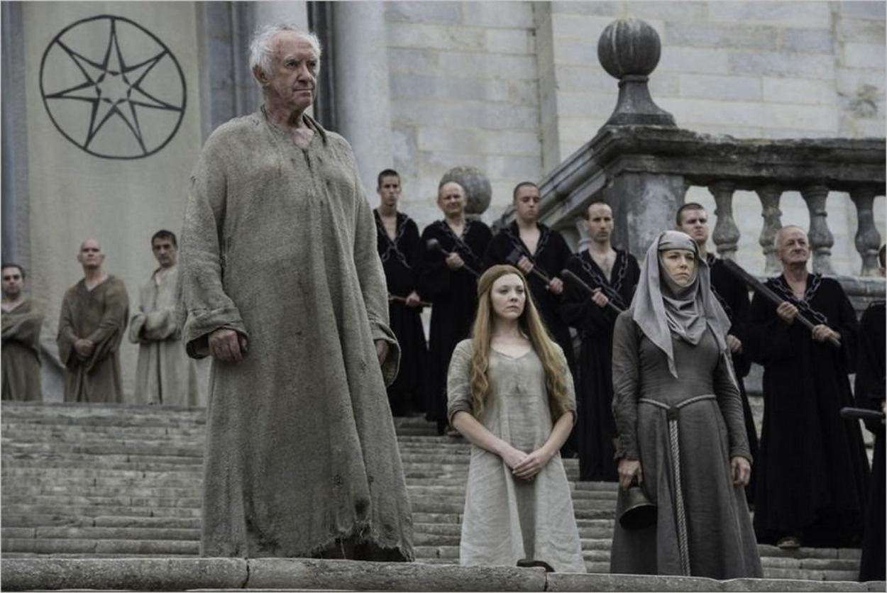 La Reine Margaery sur les marches du septuaire de Baelor