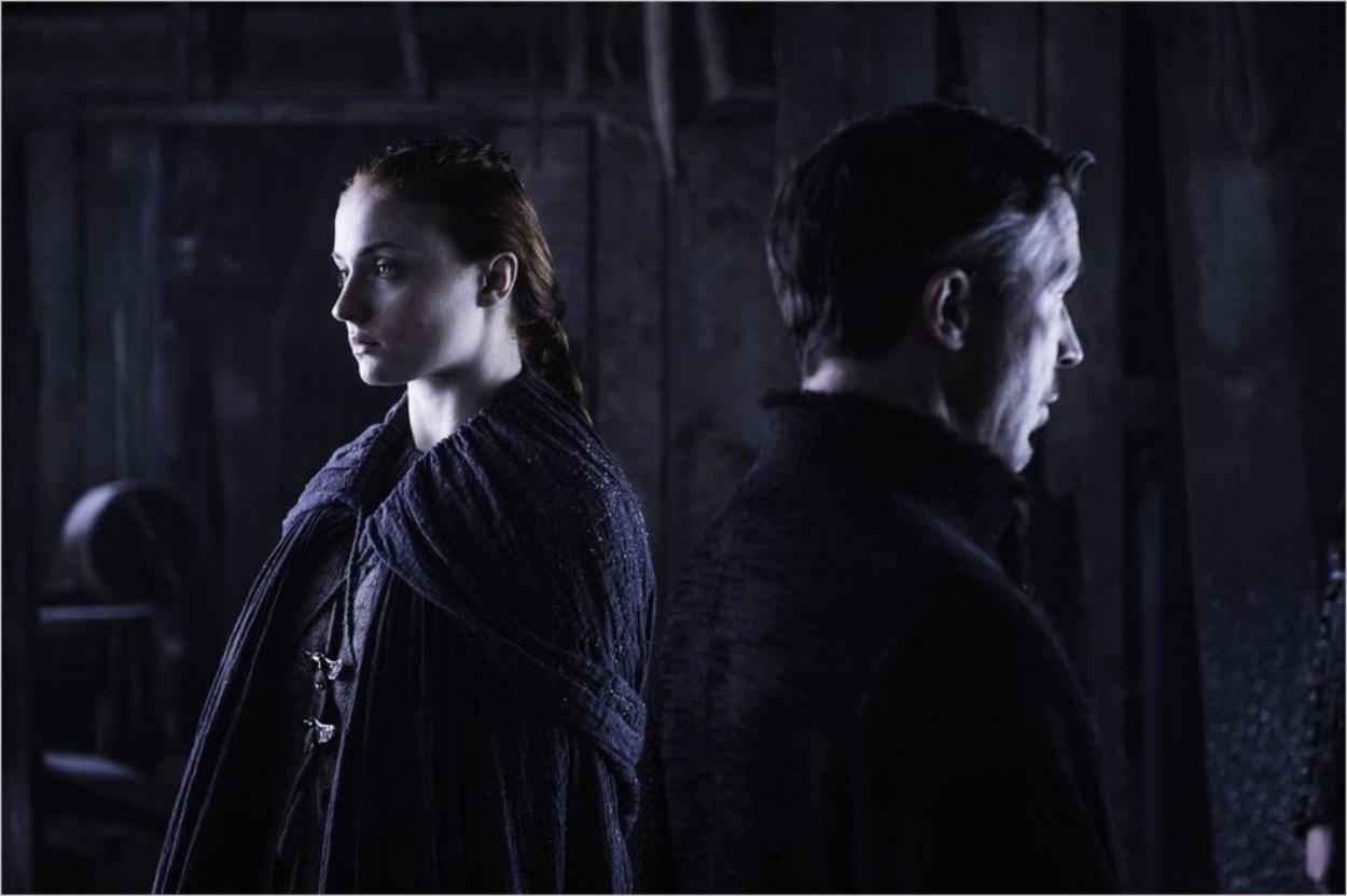 Sansa et Petyr Baelish dans Game Of Thrones saison 6 épisode 5