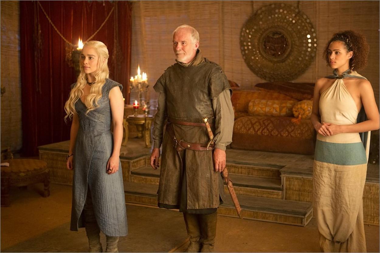Daenerys, Barristan et Missandei dans Game Of Thrones saison 3 épisode 7
