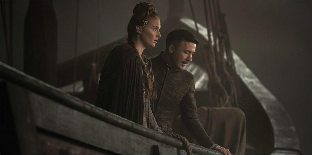Sansa retrouve Petyr Baelish sur un bateau - Game Of Thrones