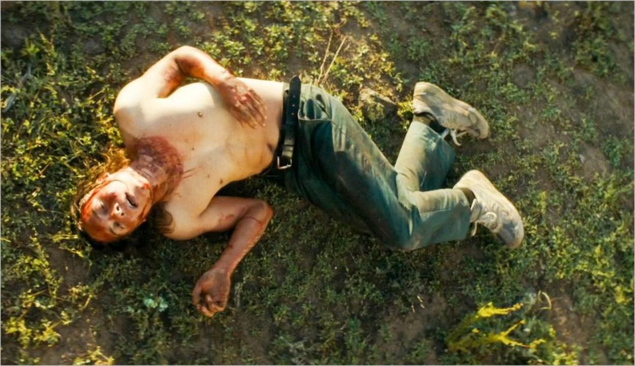Nick (Frank Dillane) mal en point après avoir mangé du cactus