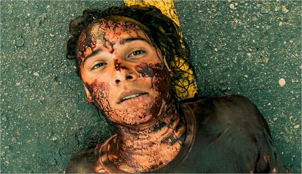 Nick (Frank Dillane) en piteux état