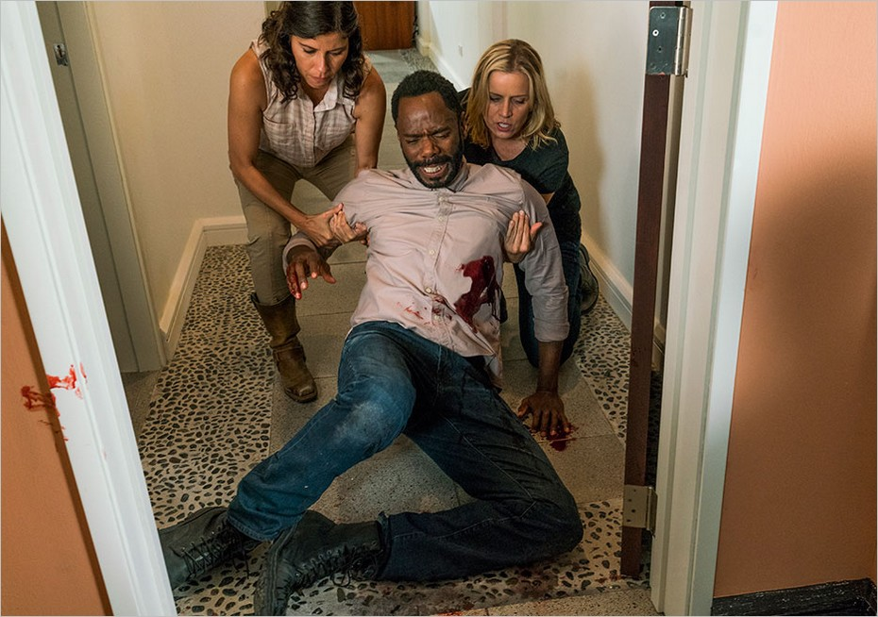 Fear The Walking Dead - Victor Strand aidé par Elena et Madison
