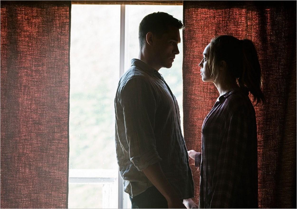 Jake et Alicia dans l'épisode 5 de la saison 3