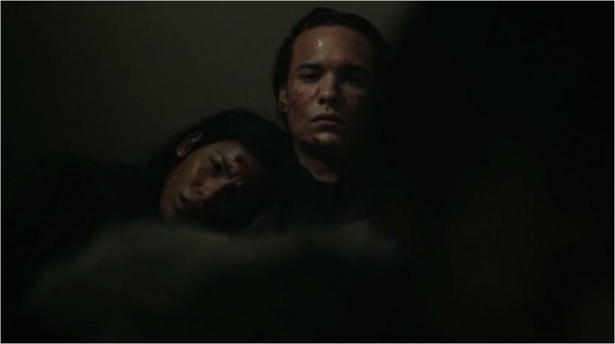 Nick et Luciana dans Fear The Walking Dead saison 3 épisode 1