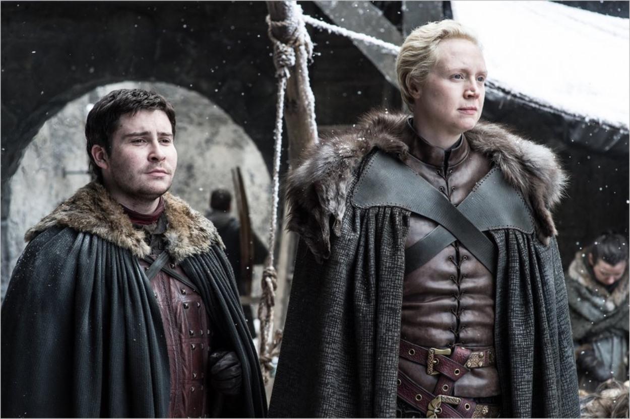 Podrick Payne et Brienne de Torth dans l'épisode 4 de la saison 7