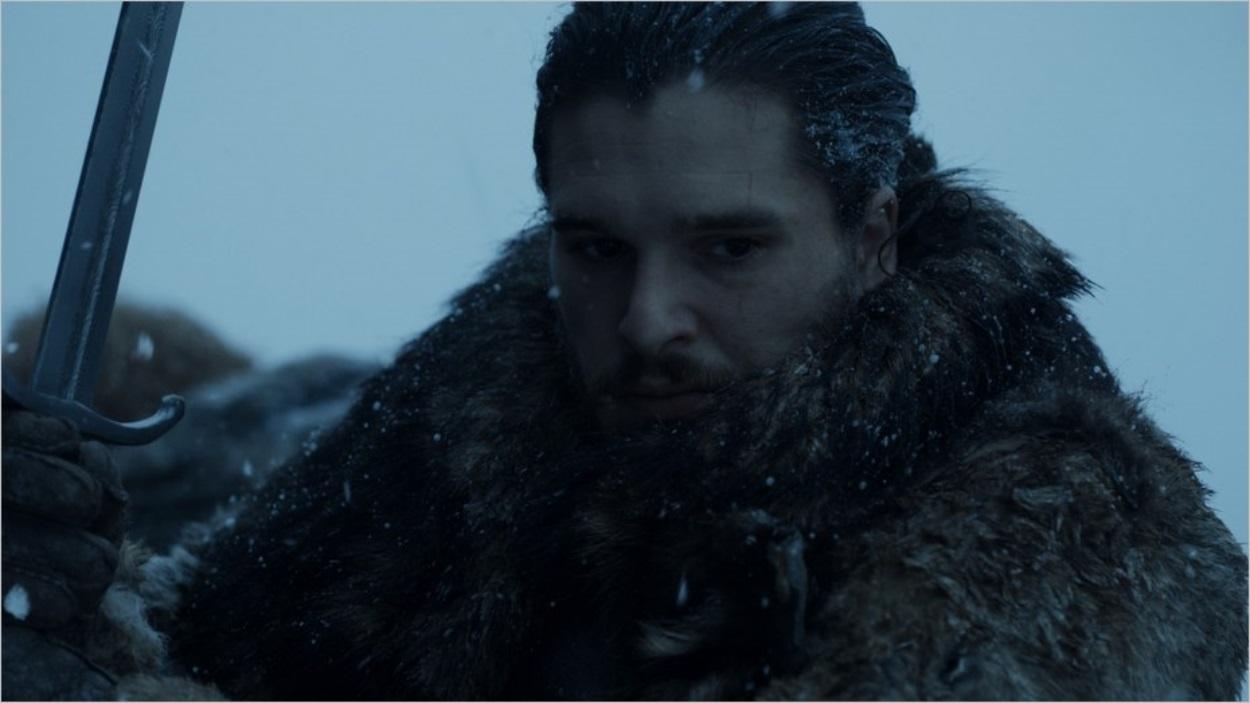 Jon Snow, épée tirée, prêt à se battre - Game Of Thrones