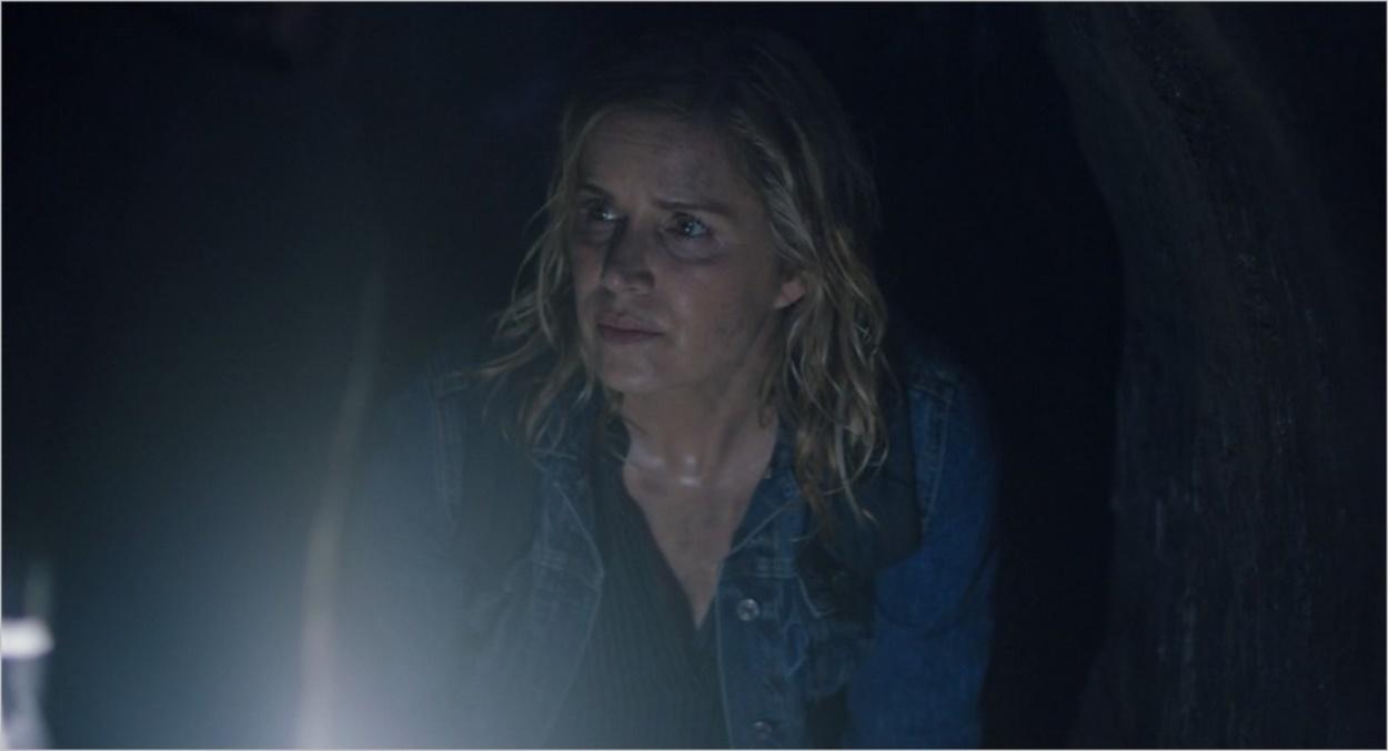 Madison dans les égouts - Fear The Walking Dead saison 3 épisode 11