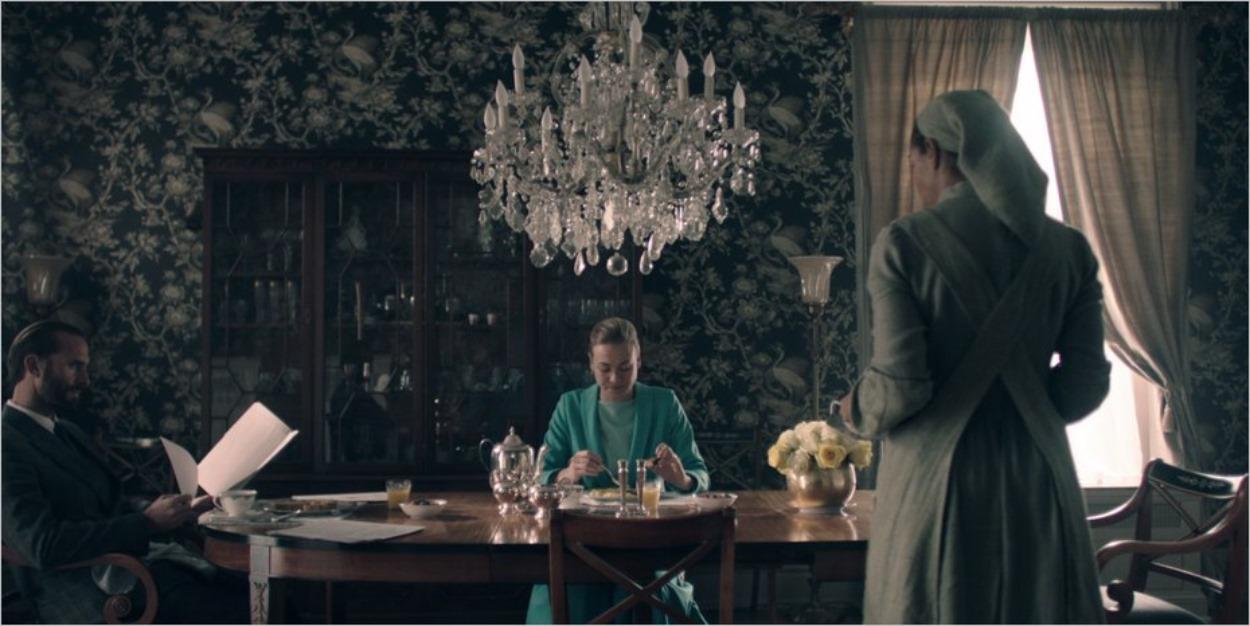 Le couple Waterford au petit-déjeuner - La Servante Ecarlate épisode 4