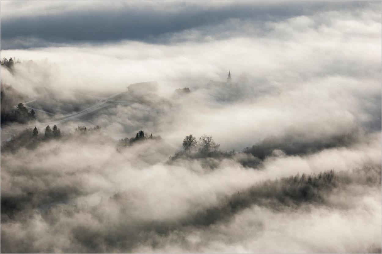 La Maison des Brouillards, Eric Berg : lumière sur une nuit sanglante