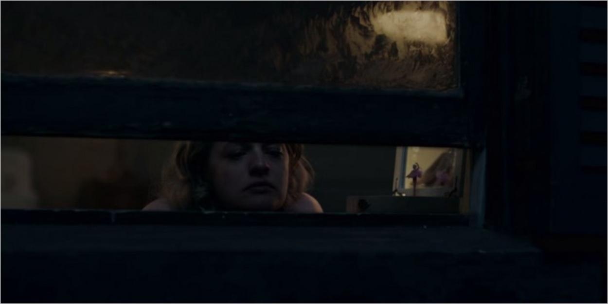 June pensive dans sa chambre chez les Waterford