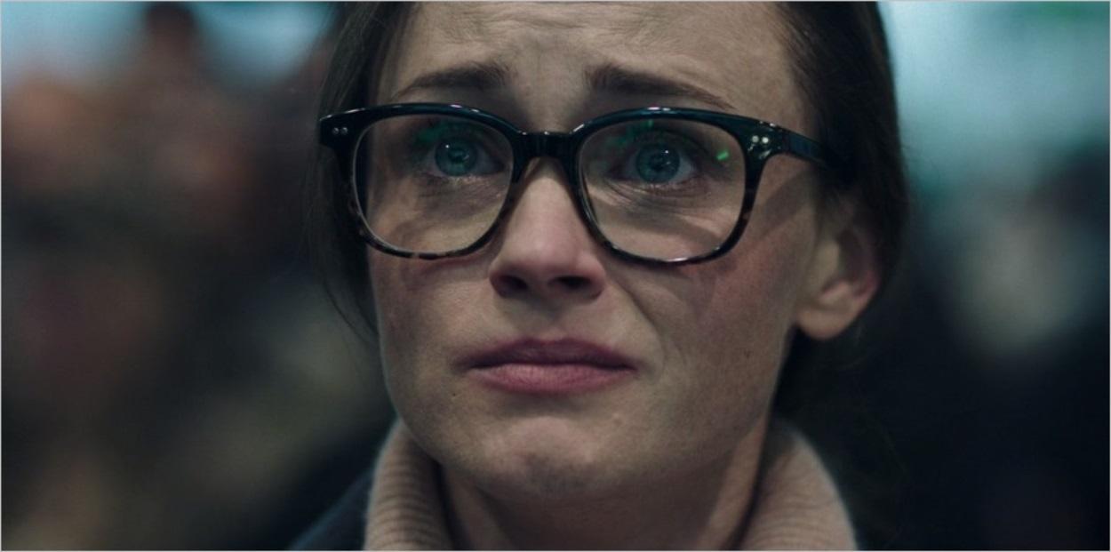 Emily à l'aéroport - La Servante Ecarlate saison 2 épisode 2