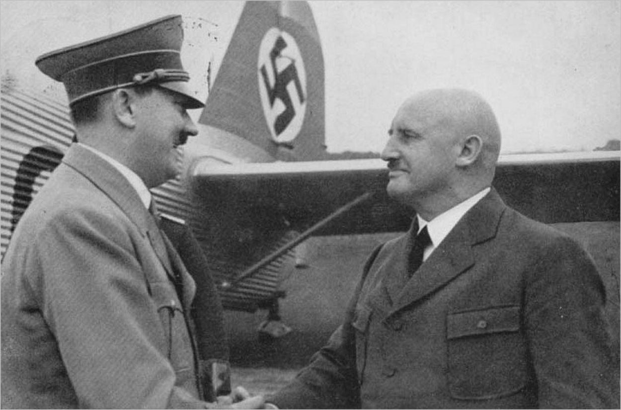 Hitler serrant la main de Julius Streicher