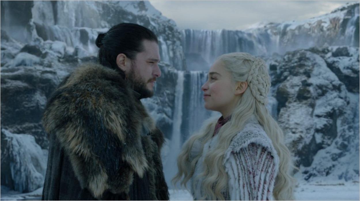 Daenerys et Jon Snow face à la cascade - Saison 8 épisode 1