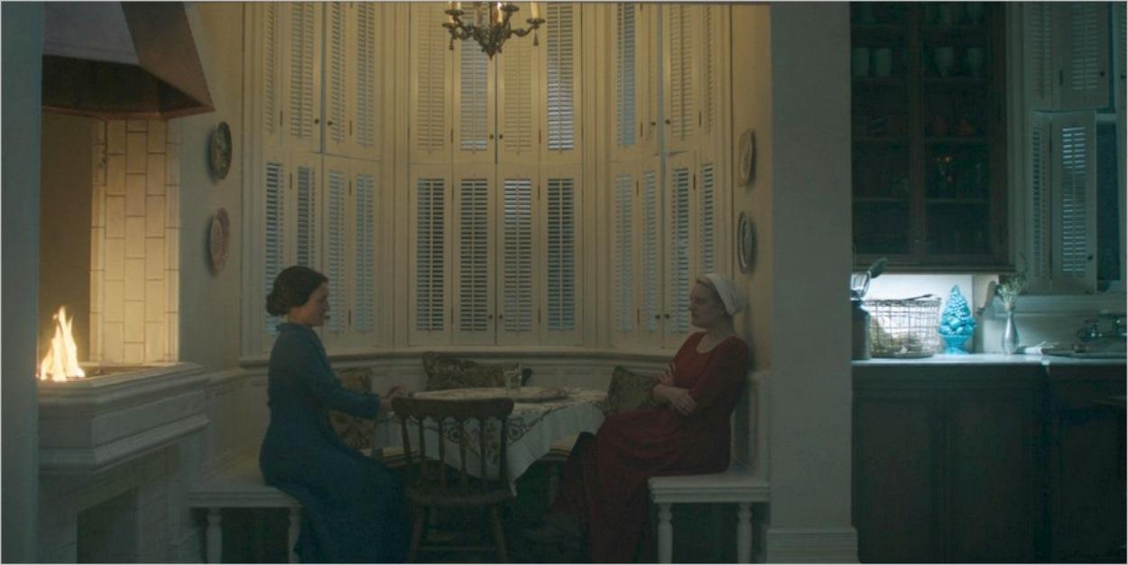Mme Lawrence échange avec June - La Servante Écarlate saison 3 épisode 5