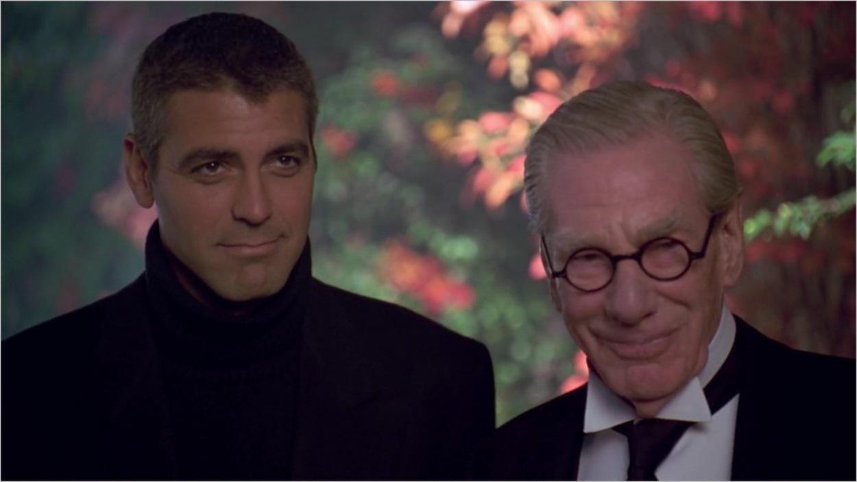 Bruce Wayne (George Clooney) et Alfred (Michael Gough)