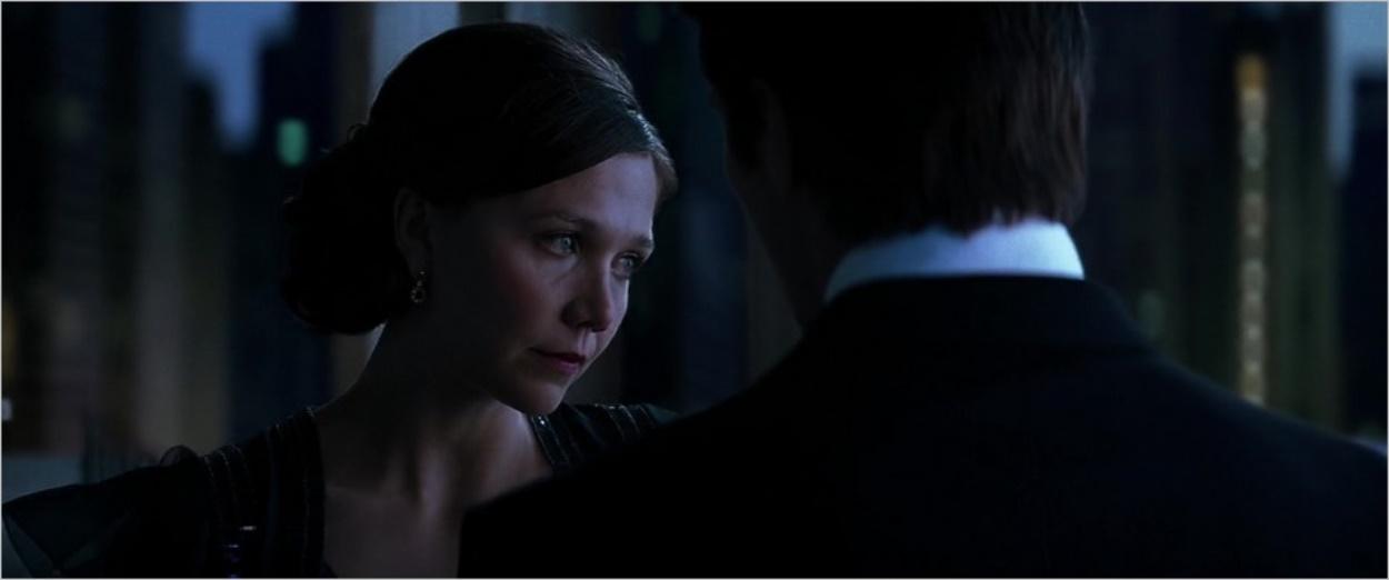 Rachel Dawes (Maggie Gyllenhaal) et Bruce Wayne