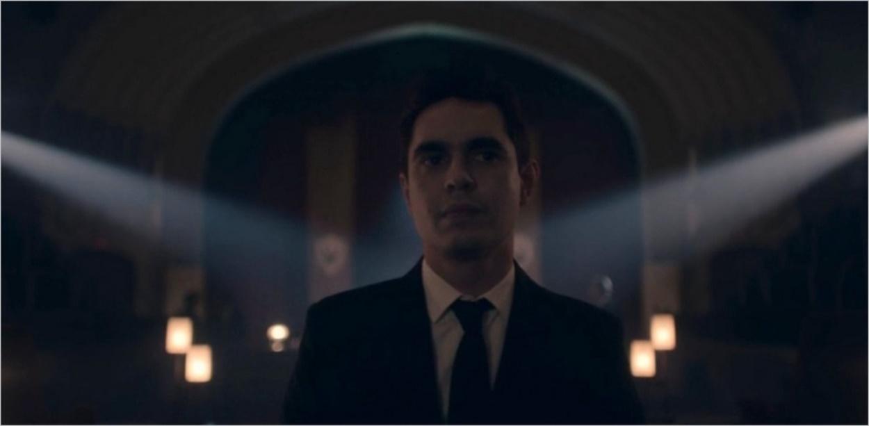 Nick pensif dans l'épisode 5 de la saison 4 de The Handmaid's Tale
