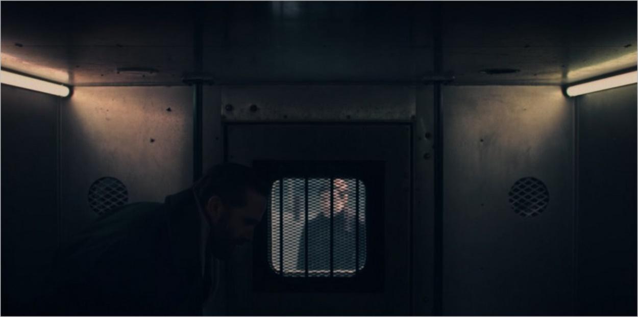 Arrestation de Fred Waterford dans l'épisode 10 de la saison 4